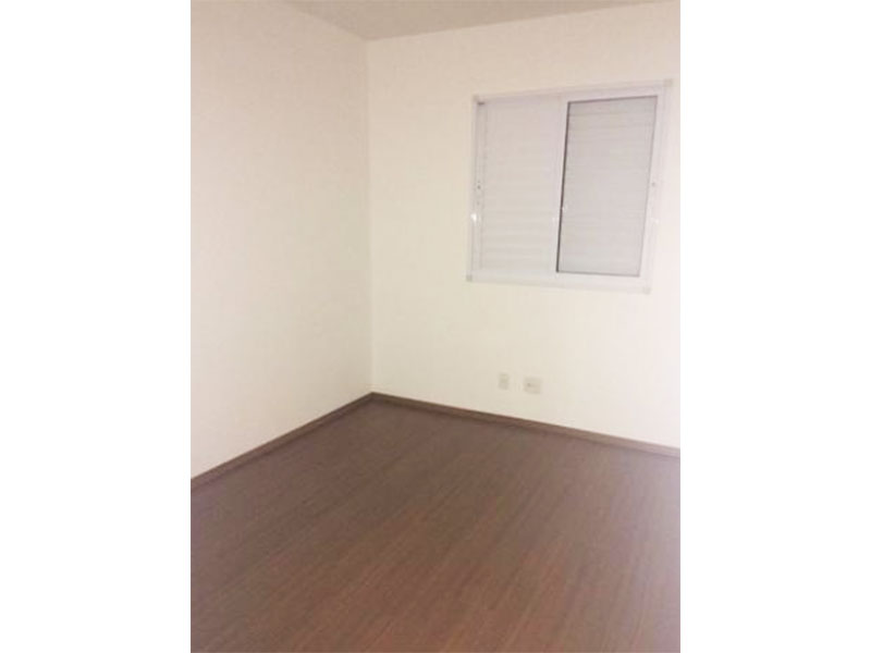 Ipiranga, Apartamento Padrão-Dormitórios com piso laminado.
