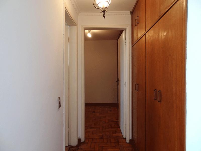 Ipiranga, Apartamento Padrão-Corredor com armário embutido.