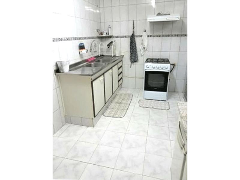 Sacomã, Apartamento Padrão-Cozinha com piso de cerâmica e coifa.