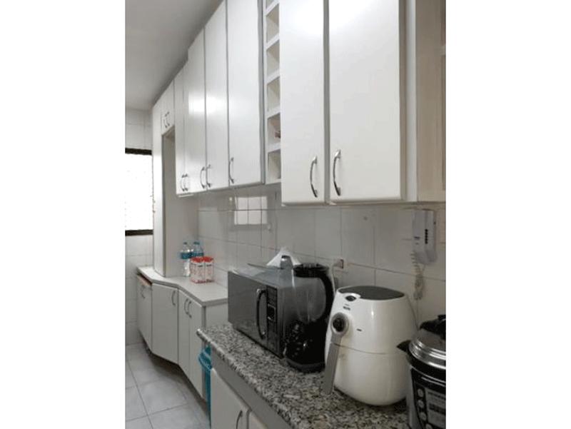 Ipiranga, Apartamento Padrão-Cozinha com piso de cerâmica, pia de granito e armários planejados.