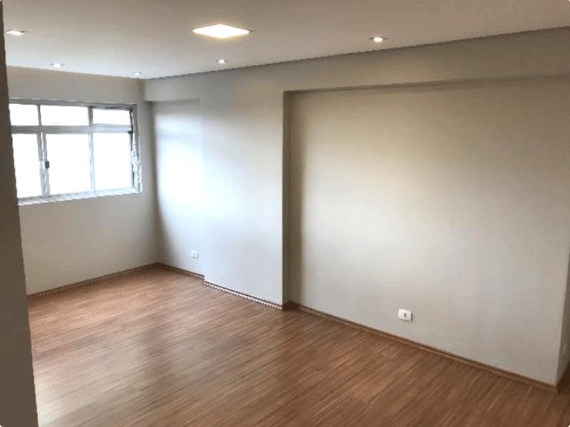 Jabaquara, Apartamento Padrão-Sala com dois ambientes, piso laminado, teto rebaixado e iluminação embutida.