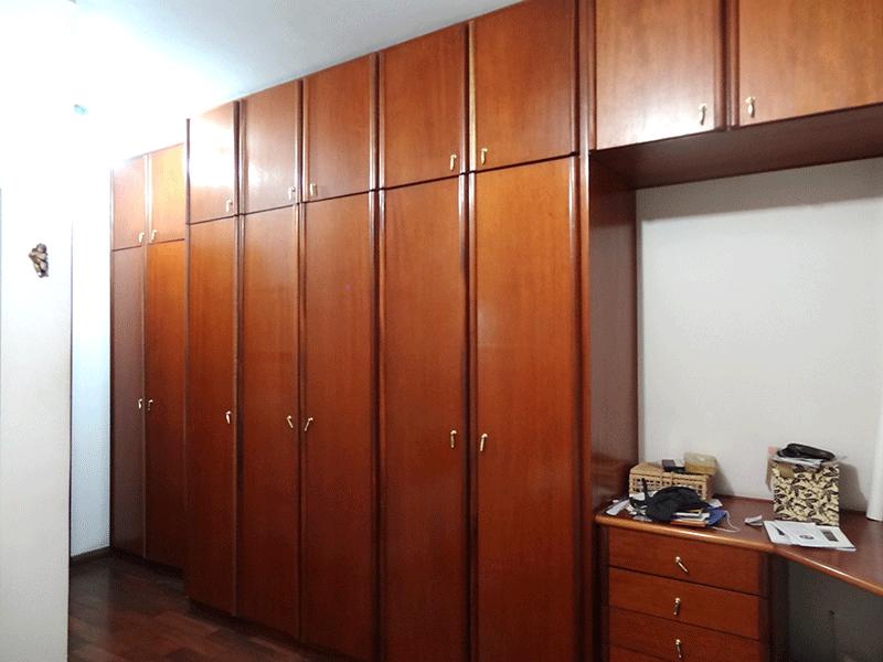 Ipiranga, Apartamento Padrão-Suíte com piso de madeira de armários planejados.