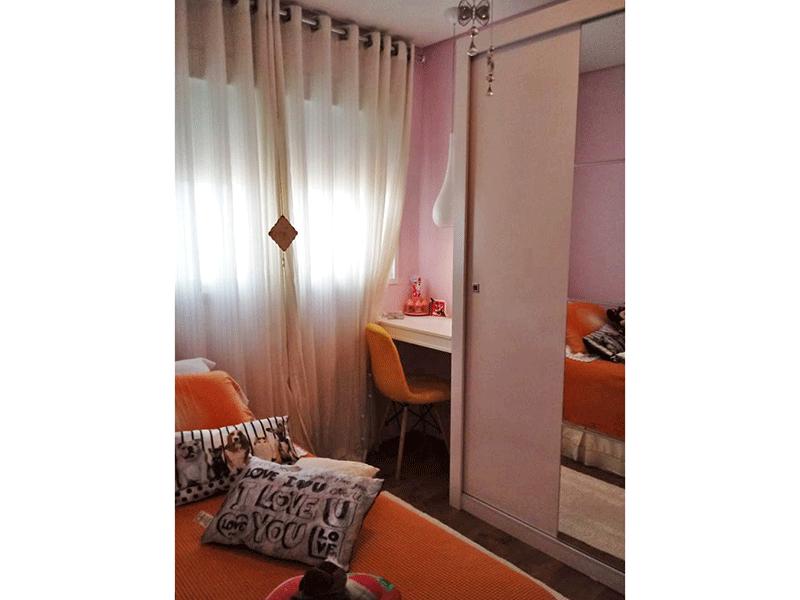 Sacomã, Apartamento Padrão-2º dormitório com piso de madeira e armários planejados.