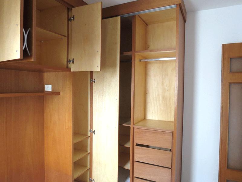 Sacomã, Apartamento Padrão-1º dormitório com piso de porcelanato e armários planejados.