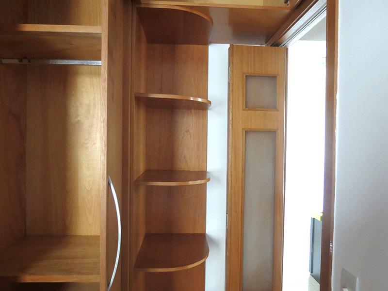 Sacomã, Apartamento Padrão-2º dormitório com piso de porcelanato e armários planejados.