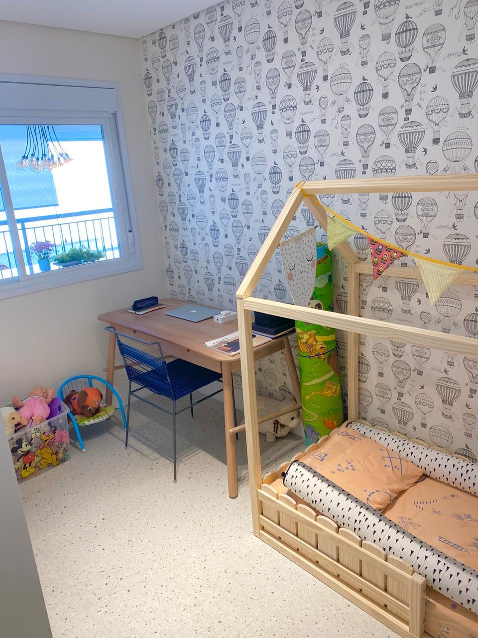 Ipiranga, Apartamento Padrão-2º quanto com piso de cerâmica Portinari, sanca de gesso e armários embutidos.