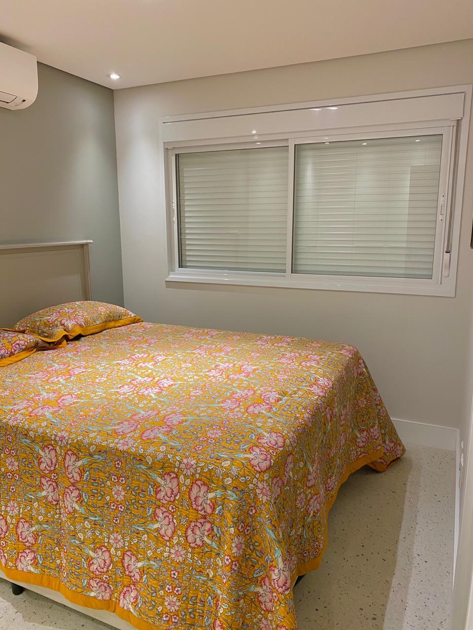 Ipiranga, Apartamento Padrão-Suíte com piso cerâmica Portinari, sanca de gesso com iluminação, closet e ar condicionado