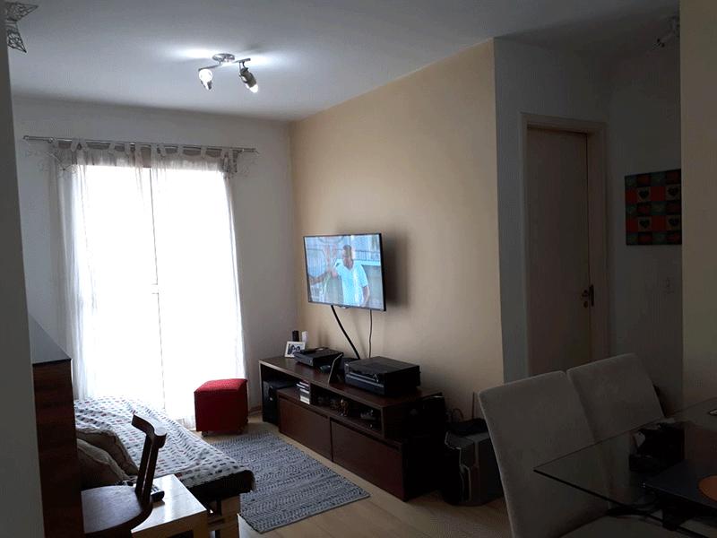 Sacomã, Apartamento Padrão - Sala com dois ambientes e piso laminado.