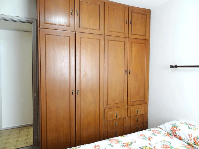 Jabaquara, Apartamento Padrão-1º dormitório com piso de carpete e armários planejados.