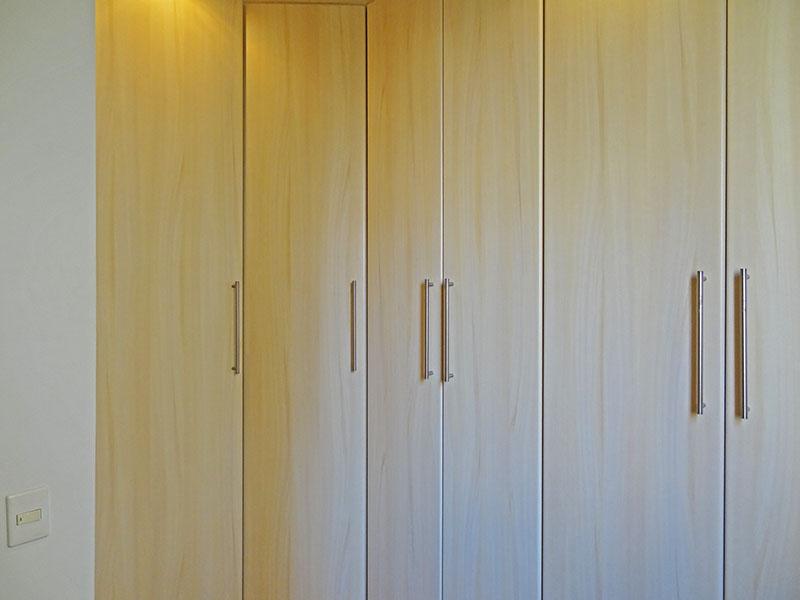 Sacomã, Apartamento Padrão-3º dormitório com piso de porcelanato, teto rebaixado, iluminação embutida e armários planejados.