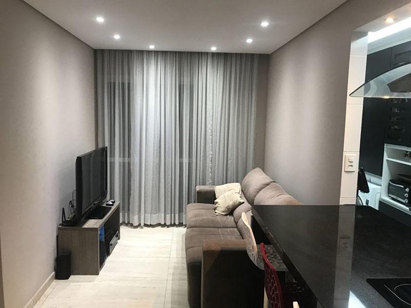 Sacomã, Apartamento Padrão-Sala com dois ambientes, piso de porcelanato, teto rebaixado e iluminação embutida.