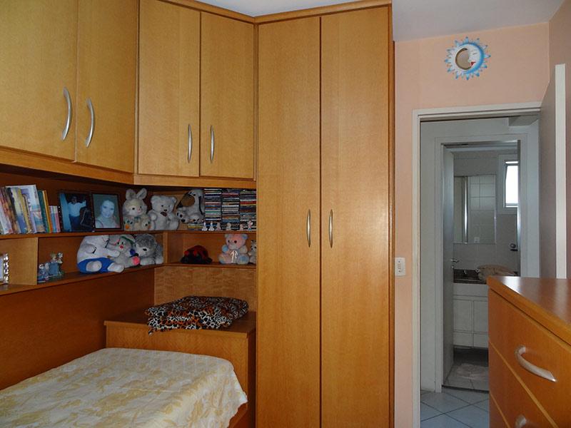 Ipiranga, Apartamento Padrão-2º dormitório com piso de cerâmica e armários planejados.