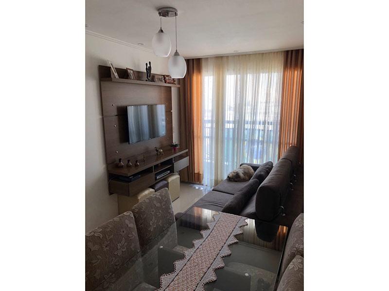 Ipiranga, Apartamento Padrão - Sala com dois ambientes, piso de porcelanato, teto com moldura de gesso e iluminação embutida.