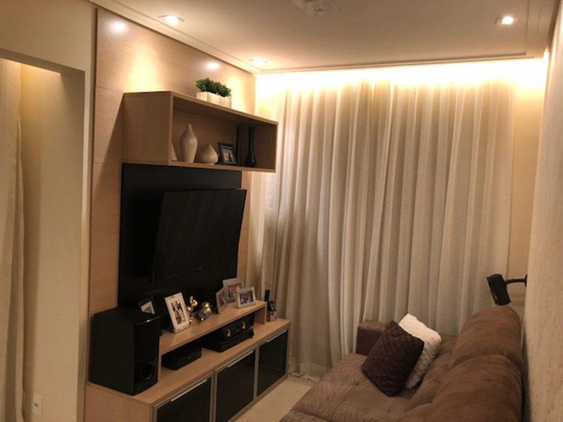 Ipiranga, Apartamento Padrão-Sala ampliada com dois ambientes, piso de porcelanato, teto rebaixado e iluminação embutida (3º transformado em sala ampliada).