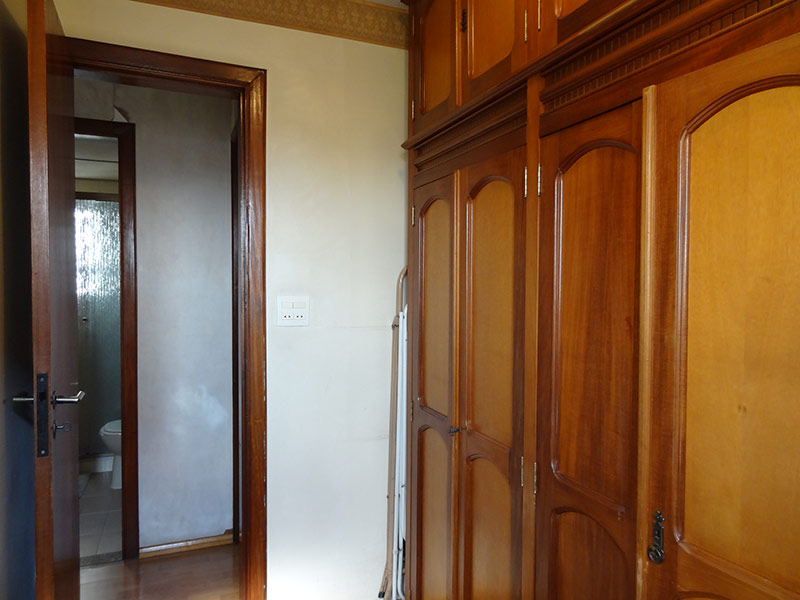 Sacomã, Apartamento Padrão-3º opcional com piso laminado e armários planejados.