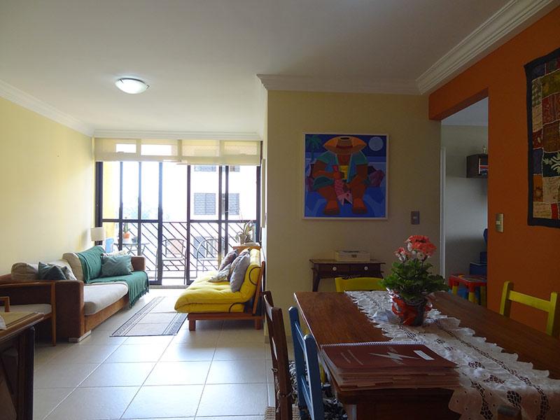 Jabaquara, Apartamento Padrão - Sala com dois ambientes, piso de cerâmica, teto com moldura de gesso.