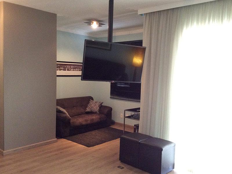Sacomã, Apartamento Padrão-Sala ampliada com dois ambientes, piso laminado e teto com moldura de gesso (3º dormitório transformado em sala ampliada).