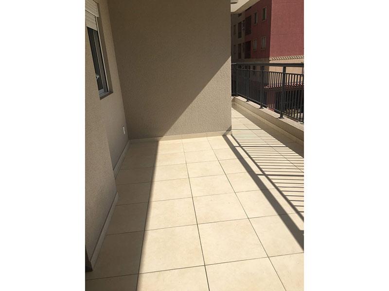 Ipiranga, Apartamento Padrão-Varanda gourmet com piso de cerâmica e pia de granito.