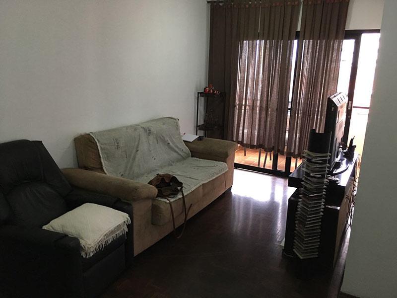 Sacomã, Apartamento Padrão-Sala com dois ambientes e piso taquinho de madeira.