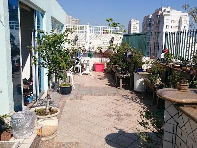 Ipiranga, Cobertura Duplex-Terraço com churrasqueira e pia de granito.
