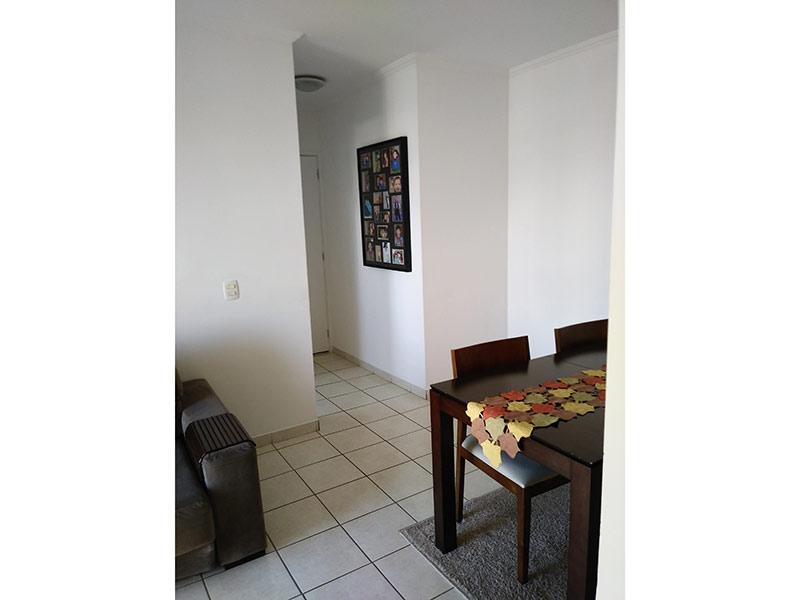 Sacomã, Apartamento Padrão-Sala com dois ambientes, piso de cerâmica e teto com moldura de gesso.