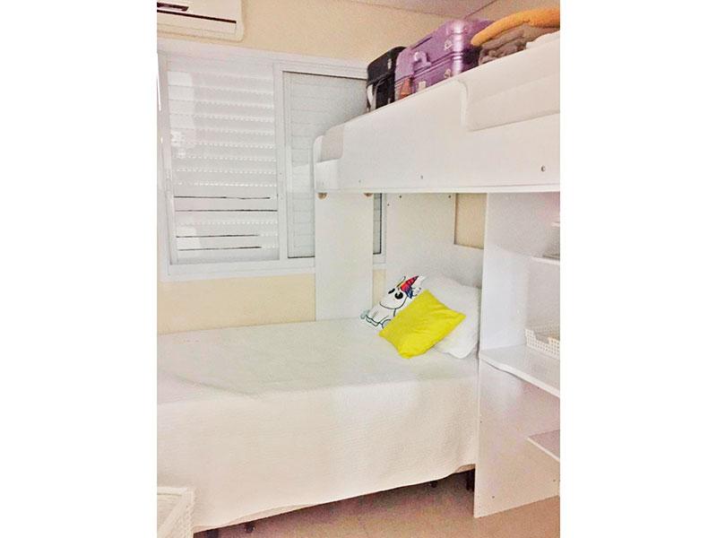 Ipiranga, Apartamento Padrão-2º dormitório com piso de porcelanato e armários planejados.
