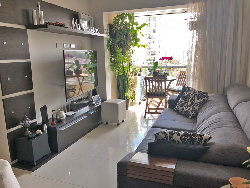 Sacomã, Apartamento Padrão - Sala retangular com piso de porcelanato e teto com moldura de gesso.