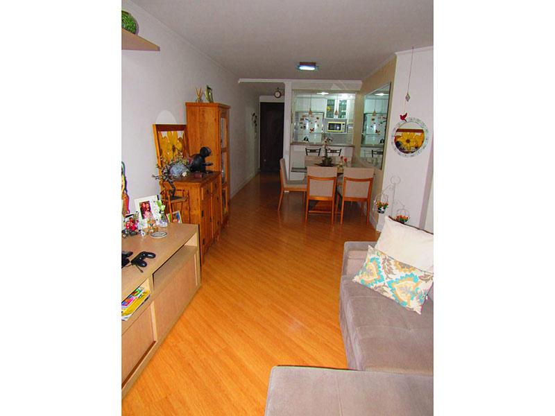 Jabaquara, Apartamento Padrão-Sala retangular com piso laminado e teto com moldura de gesso.