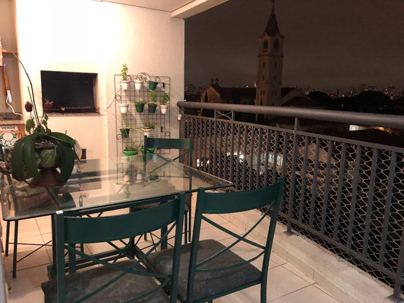 Ipiranga, Apartamento Padrão-Varanda gourmet com piso de cerâmica, teto rebaixado, pia de mármore, gabinete e churrasqueira.