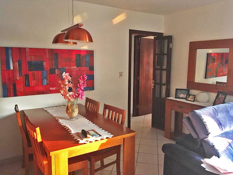Sacomã, Apartamento Padrão-Sala irregular com piso de cerâmica.