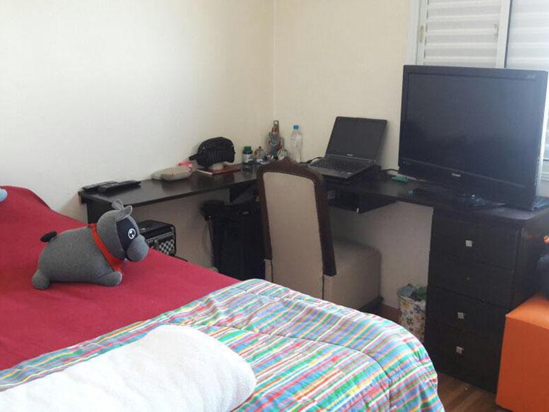 Ipiranga, Apartamento Padrão-2º dormitório com piso taquinho de madeira.