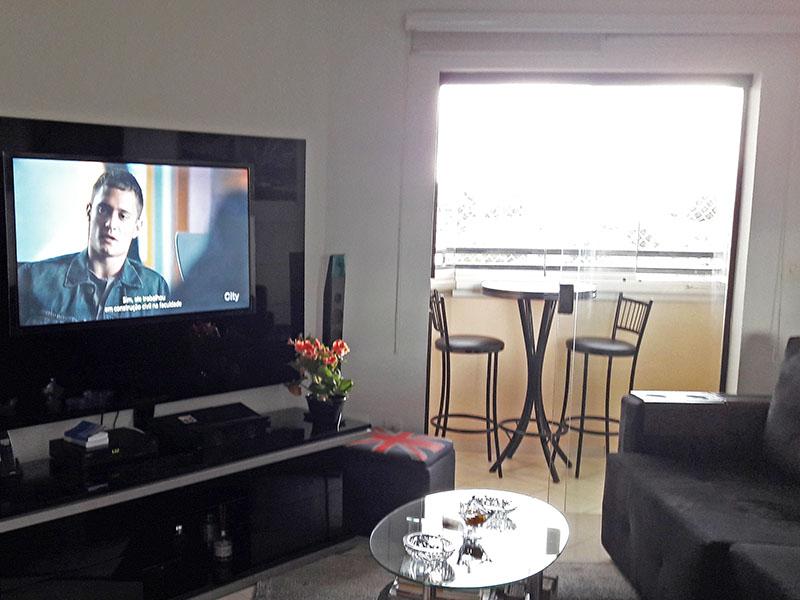 Jabaquara, Apartamento Padrão-Sala irregular com piso cerâmica e teto com moldura de gesso.