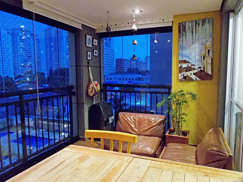 Ipiranga, Apartamento Padrão-Varanda gourmet com piso laminado, pia de granito, churrasqueira, gabinete, cortina de vidro e blackout.
