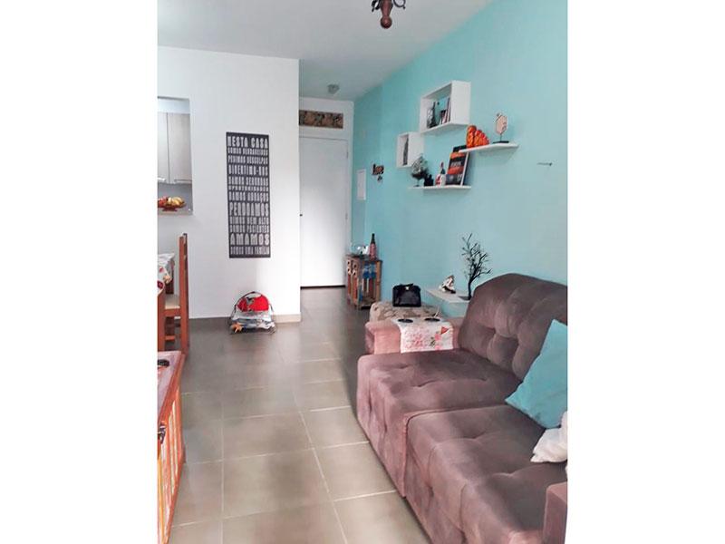 Ipiranga, Apartamento Padrão-Sala em L com piso de cerâmica e acesso a sacada.