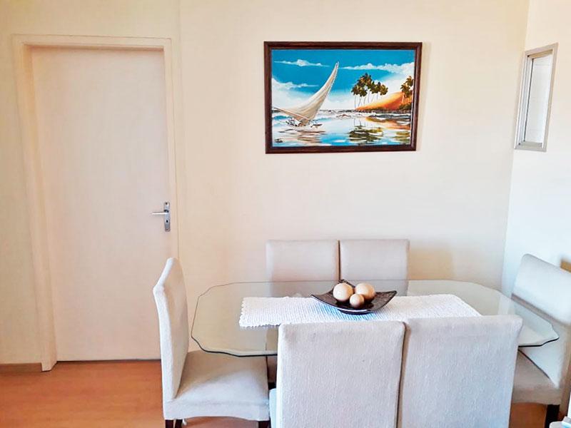 Jabaquara, Apartamento Padrão-Sala com piso laminado e acesso a varanda.