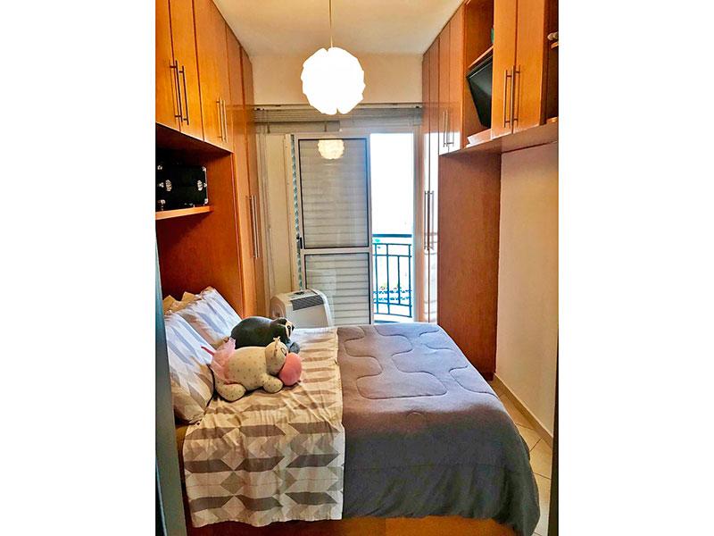 Ipiranga, Apartamento Padrão-Suíte com piso de cerâmica, armário planejado e acesso a varanda.