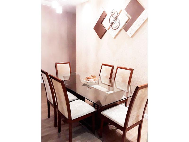 Sacomã, Apartamento Padrão-Sala em L com piso laminado, teto com sanca de gesso, iluminação embutida e acesso a sacada.