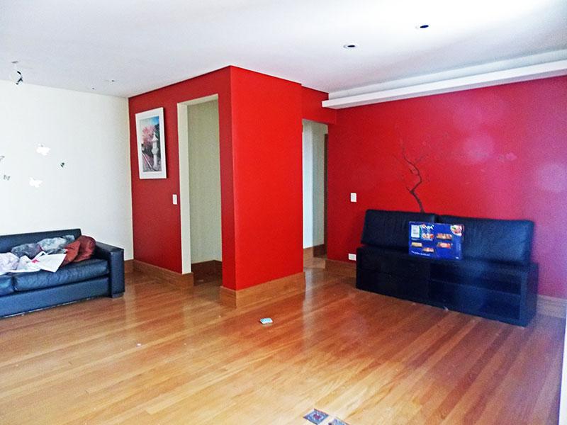 Sacomã, Apartamento Padrão-Sala ampliada com o 3º dormitório, piso de madeira, teto com sanca, iluminação embutida e acesso a sacada.