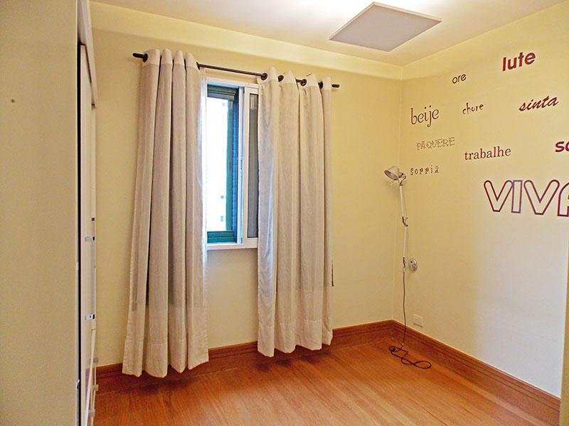 Sacomã, Apartamento Padrão-1º suite com piso madeira.