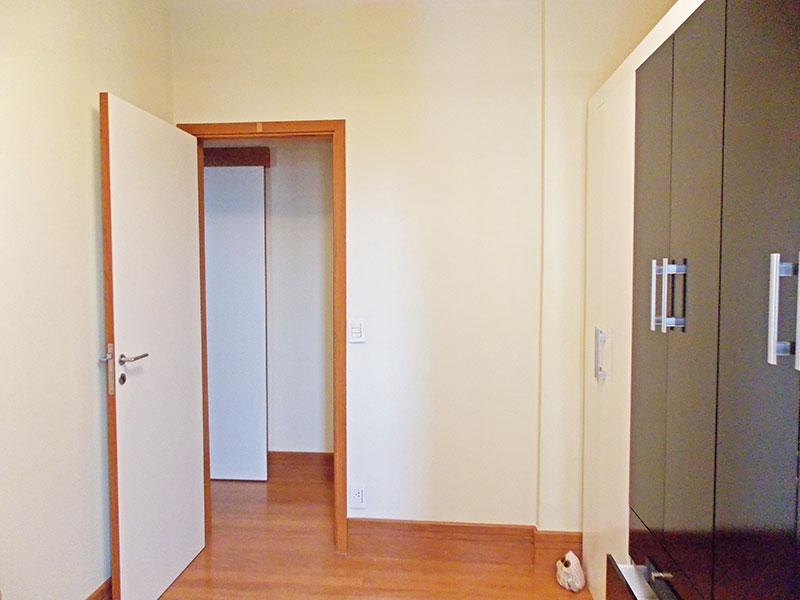 Sacomã, Apartamento Padrão-2º dormitório com piso madeira.