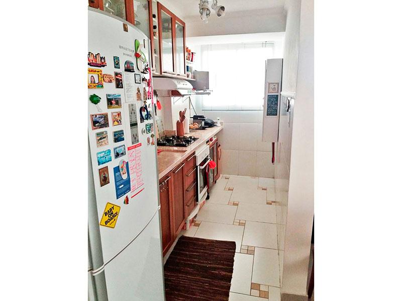 Sacomã, Cobertura Duplex-Cozinha com piso de porcelanato, armários planejados, gabinete e pia de granito.