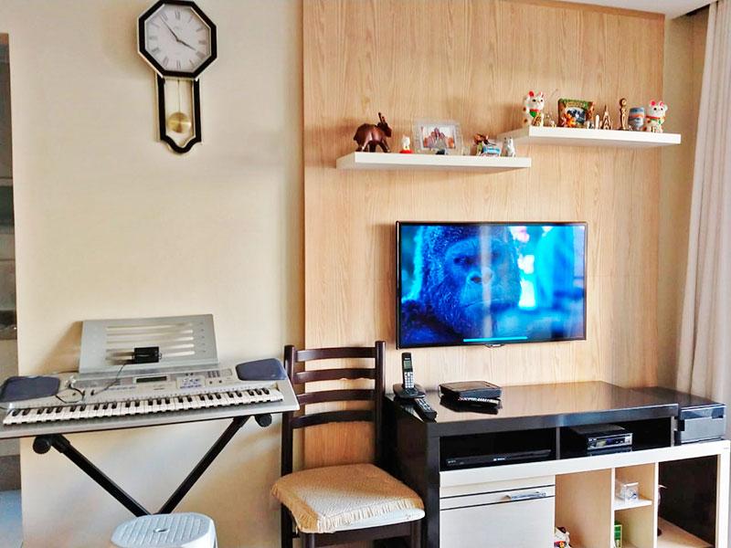 Jabaquara, Apartamento Padrão-Sala em L com piso laminado, teto com sanca de gesso, iluminação embutida e acesso a varanda.