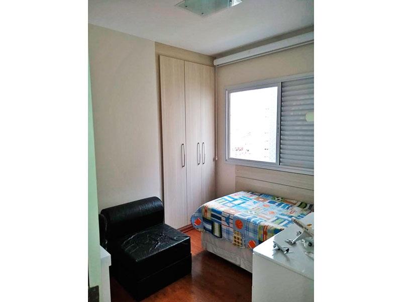 Jabaquara, Apartamento Padrão-2º dormitório com piso laminado e armários embutidos.