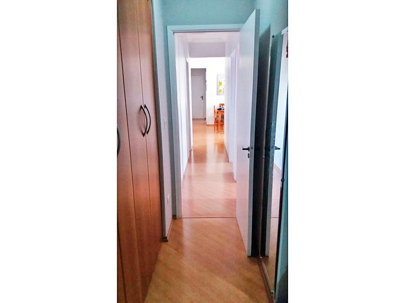 Sacomã, Apartamento Padrão-1º suite com piso laminado e armários planejados.