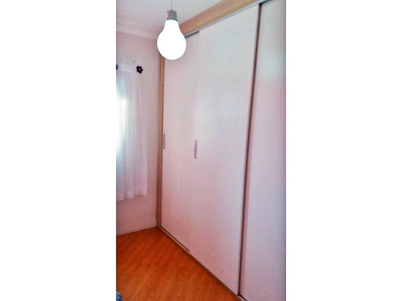 Sacomã, Apartamento Padrão-2º dormitório com piso laminado, teto com moldura e armários planejados.