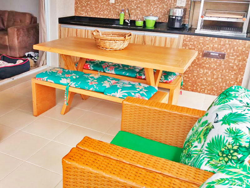 Jabaquara, Apartamento Padrão-Varanda gourmet com piso de cerâmica e fechamento em vidro.