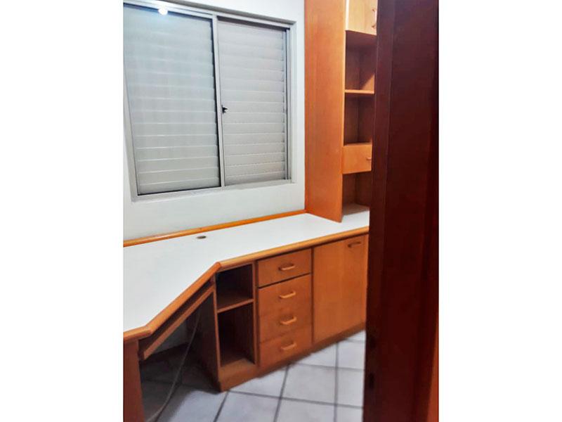 Sacomã, Apartamento Padrão-3º dormitório com piso de cerâmica e armários planejados.