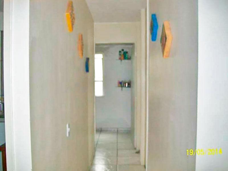 Sacomã, Apartamento Padrão-Corredor com piso de cerâmica.