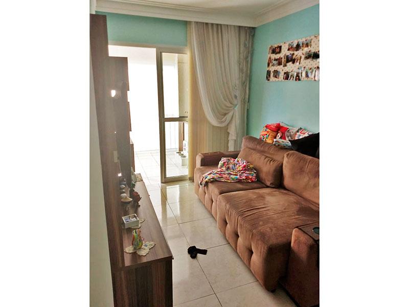 Sacomã, Apartamento Padrão - Sala com piso de porcelanato, teto com sanca de gesso e acesso a varanda gourmet.