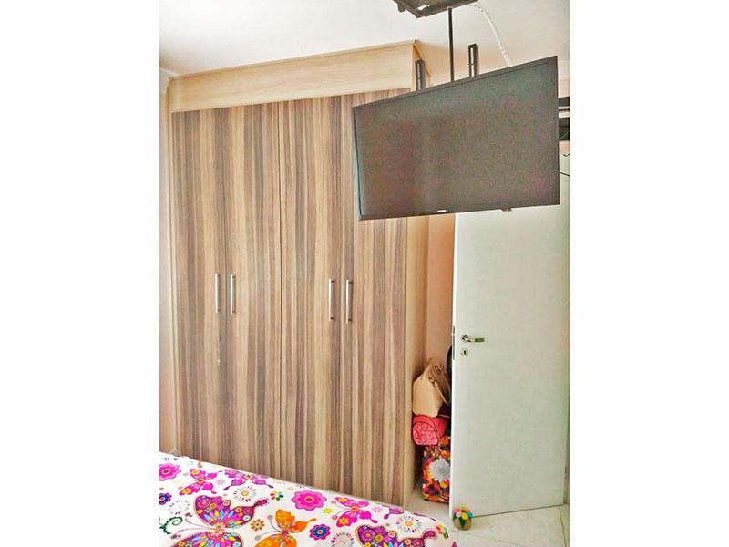 Sacomã, Apartamento Padrão-1º quarto com piso de porcelanato e armários planejados.